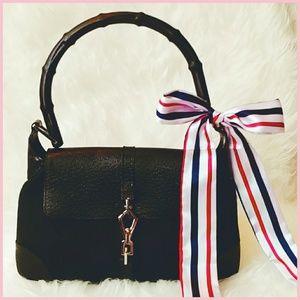 🍁Authentic Gucci handbag bamboo🎍 handle